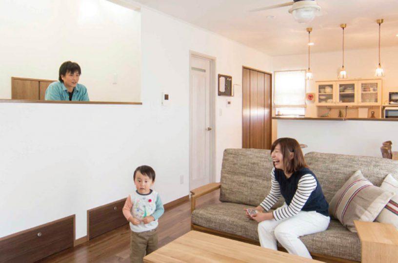スキップフロアを設けた遊び心あふれる家の写真