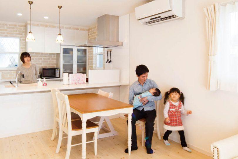 採光性と家族の団欒を大切にした明るい家の写真