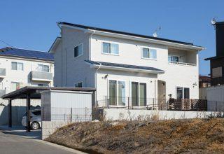 二世帯同居を見据えた間取りと空間を活かした多収納の家の写真